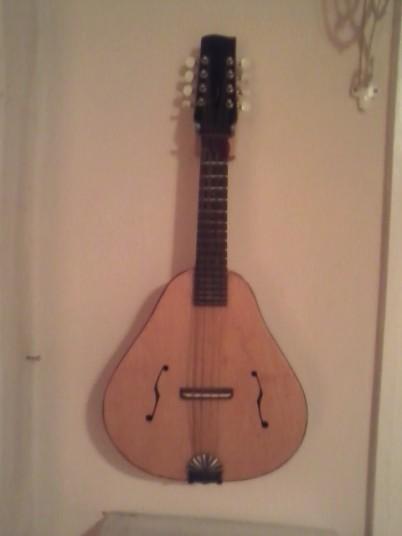 A mandolyn