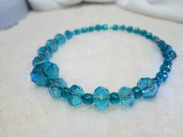 Single graduated Swarovski Teal bracelet